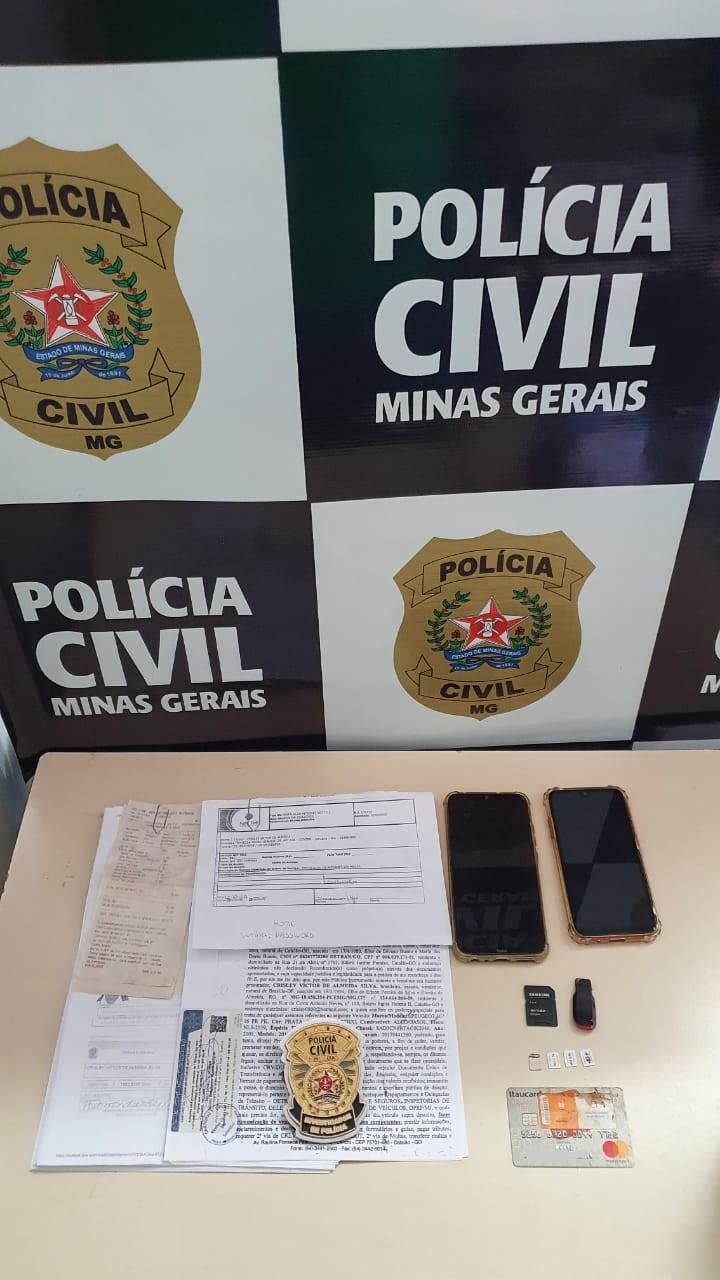 Investigados por roubos são presos em Januária: 'Ameaçaram vítimas e pediram dinheiro para devolver celulares', diz Polícia Civil