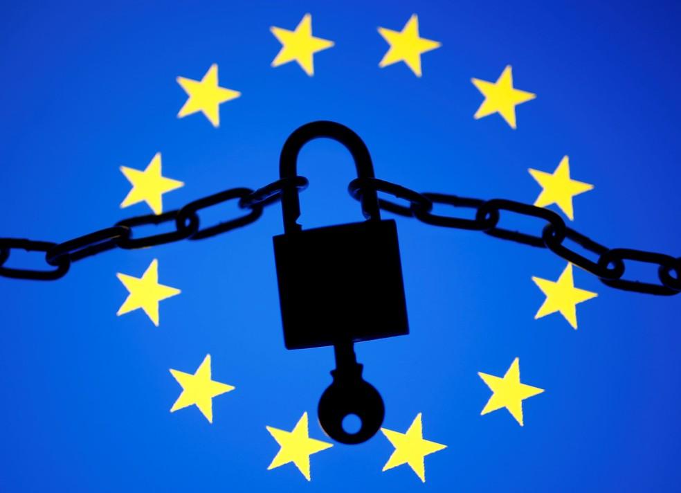 União Europeia começa a pagar recompensas por bugs encontrados em programas de código aberto. — Foto: Dado Ruvic/Reuters