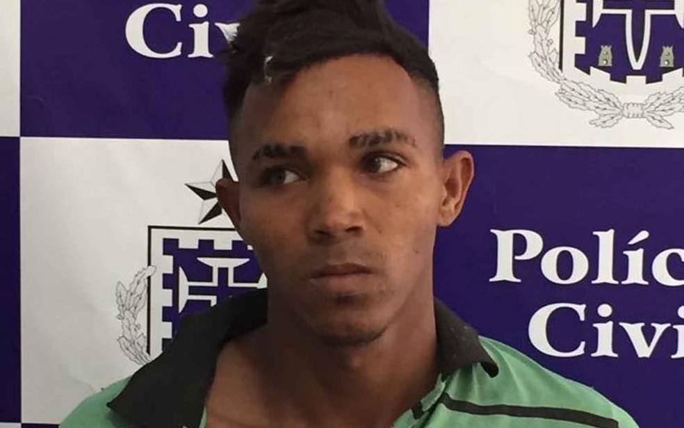 Rapaz disse que, apesar de ter golpeado vítima com machado, não tinha intenção de matar pai (Foto: Divulgação/ Polícia Civil)