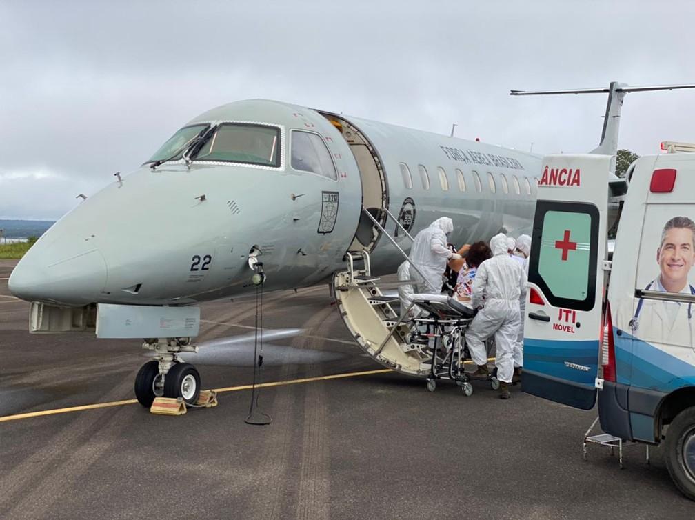 A Força Aérea Brasileira (FAB) iniciou nesta sexta-feira (15) a transferência de pacientes com Covid-19 de Manaus, no Amazonas, a outros estados — Foto: FAB/Reprodução