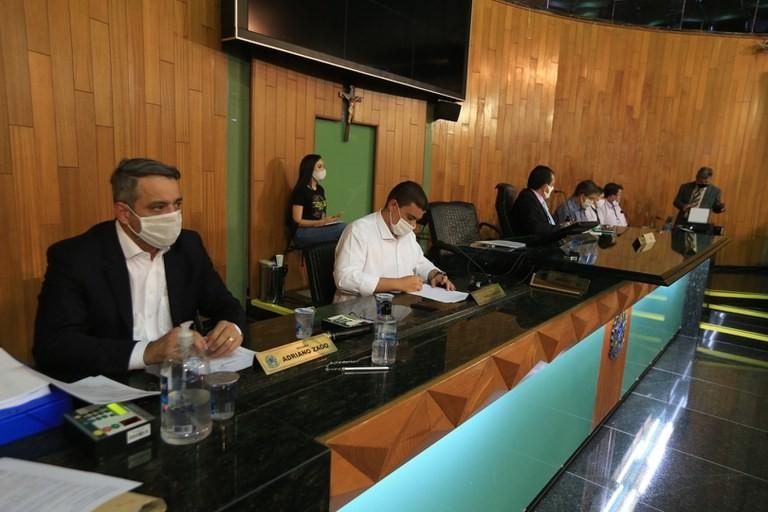 CPI do Transporte ouve funcionários da Settran sobre renovação do contrato de concessão e manutenção dos ônibus em Uberlândia