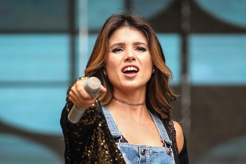 A cantora Paula Fernandes abriu a série de shows no Vale do Anhangabaú, no Centro de São Paulo, no aniversário de 464 anos da cidade — Foto: Fábio Tito/G1