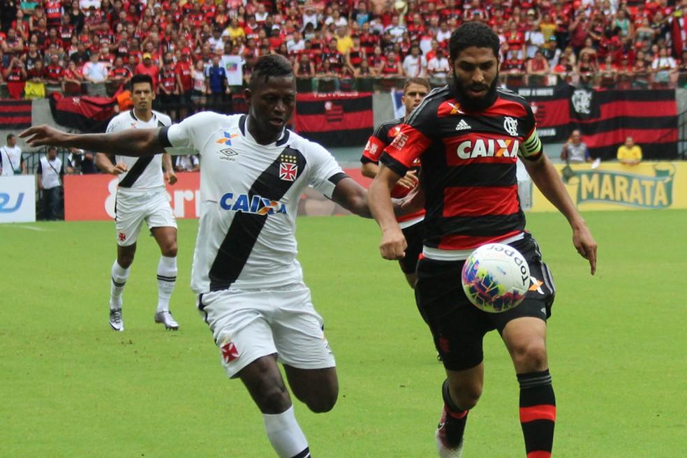 Riascos decidiu para o Vasco contra o Flamengo na última vitória vascaína sobre o rival, conquistada em abril de 2016 — Foto: Carlos Gregório Jr/Vasco.com.br
