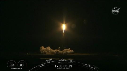 SpaceX lança cápsula Dragon rumo à Estação Espacial Internacional