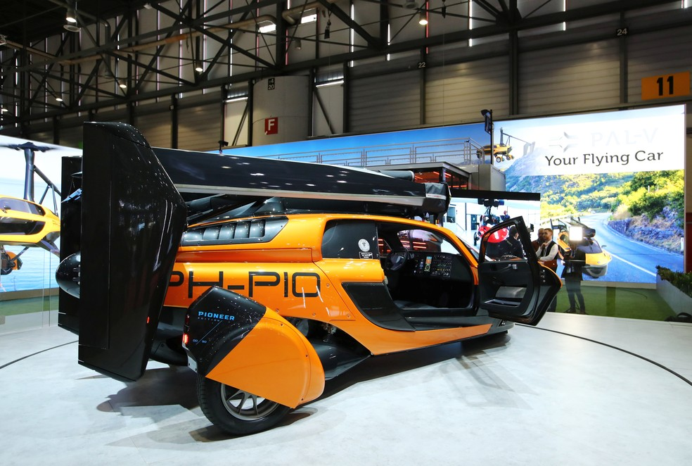"""""""Carro voador"""" da Pal-V é mostrado no Salão de Genebra 2019 — Foto: Denis Balibouse/Reuters"""