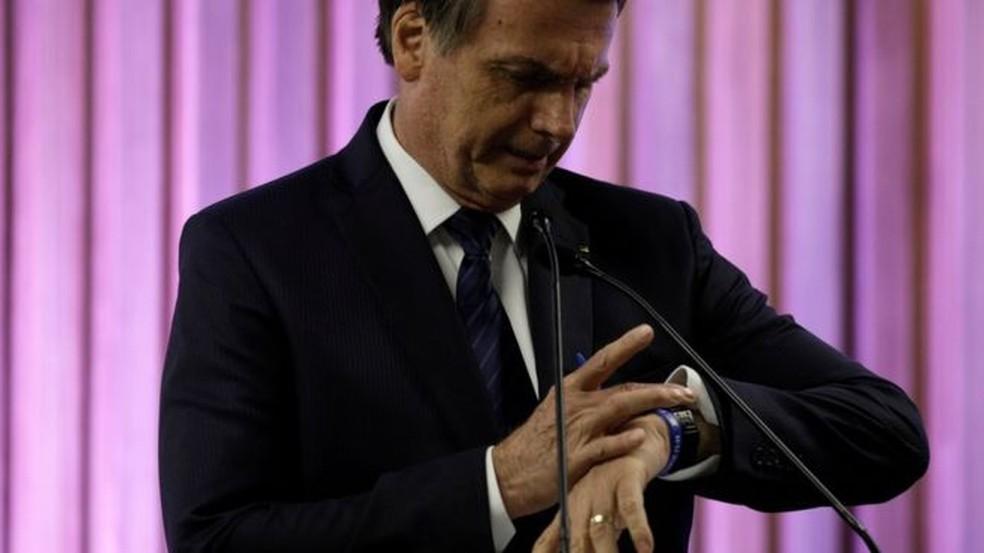 A chamada 'regra de ouro' coloca Bolsonaro diante de um dilema — Foto: Ricardo Moraes/Reuters