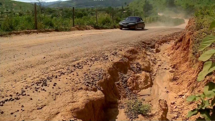 Motoristas esperam por obra de asfaltamento na ES-446 desde 2012