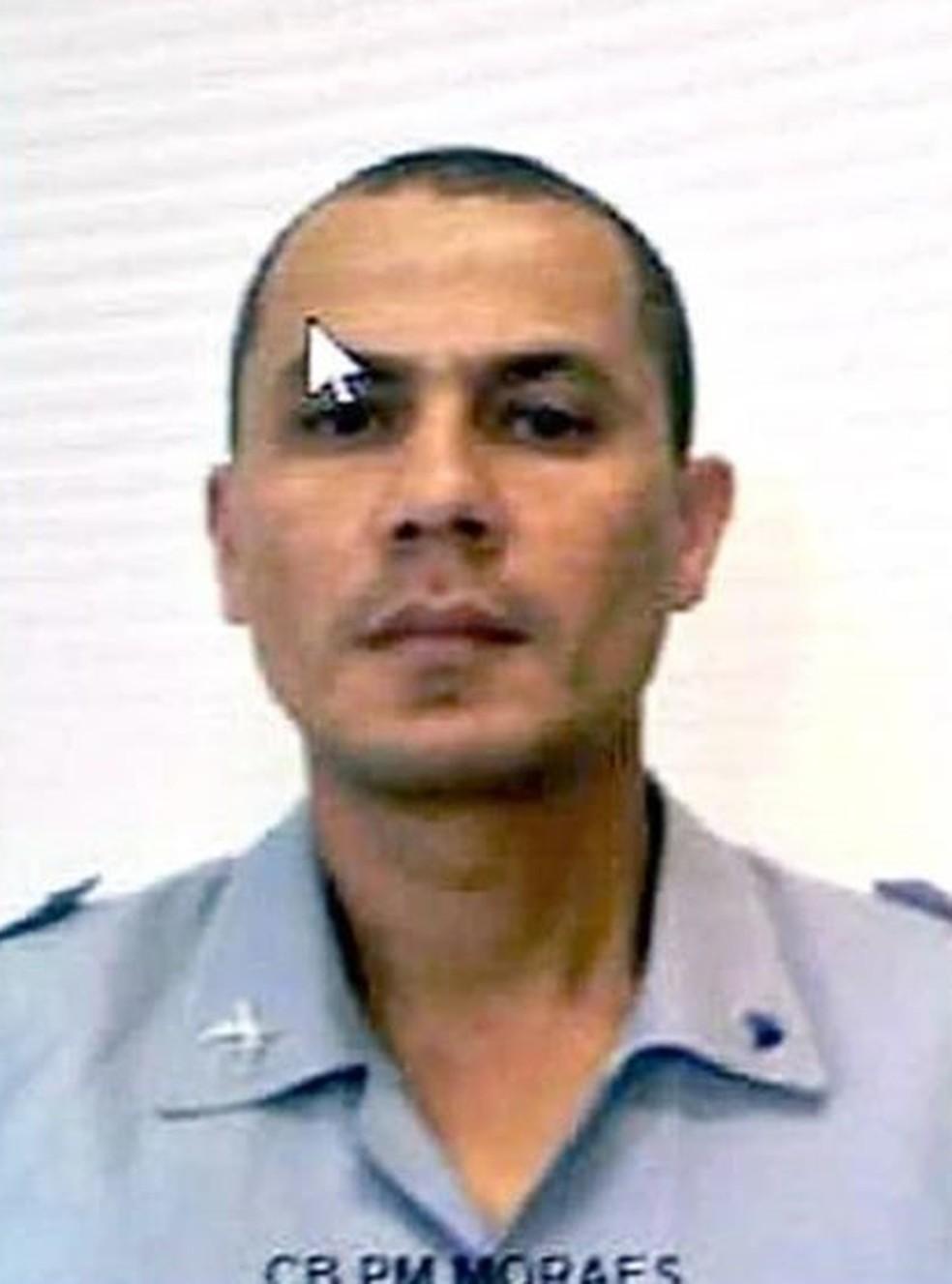 Cabo Moraes tentava resgatar vítimas quando morreu em Guarujá (SP) — Foto: Divulgação/Corpo dos Bombeiros