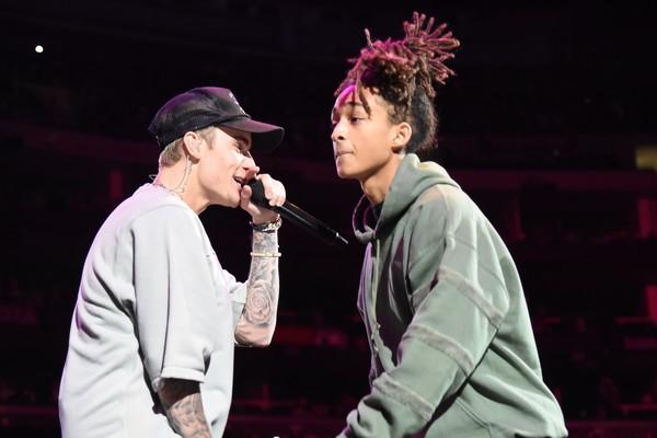 Justin Bieber e Jaden Smith em uma apresentação recente dos dois  (Foto: Getty Images)
