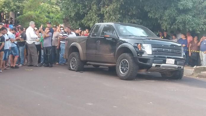 Caminhonete em que estava sobrinho de Jarvis Pavão foi atingida em Pedro Juan Caballero. — Foto: Ministério Público do Paraguai/Reprodução