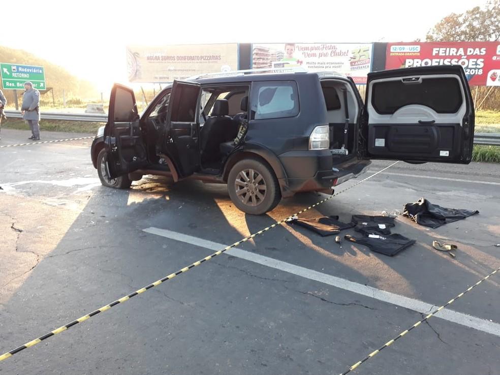 No carro localizado próximo a Marechal Rondon em Bauru foram encontrados coletes à prova de balas  (Foto: Arquivo pessoal)
