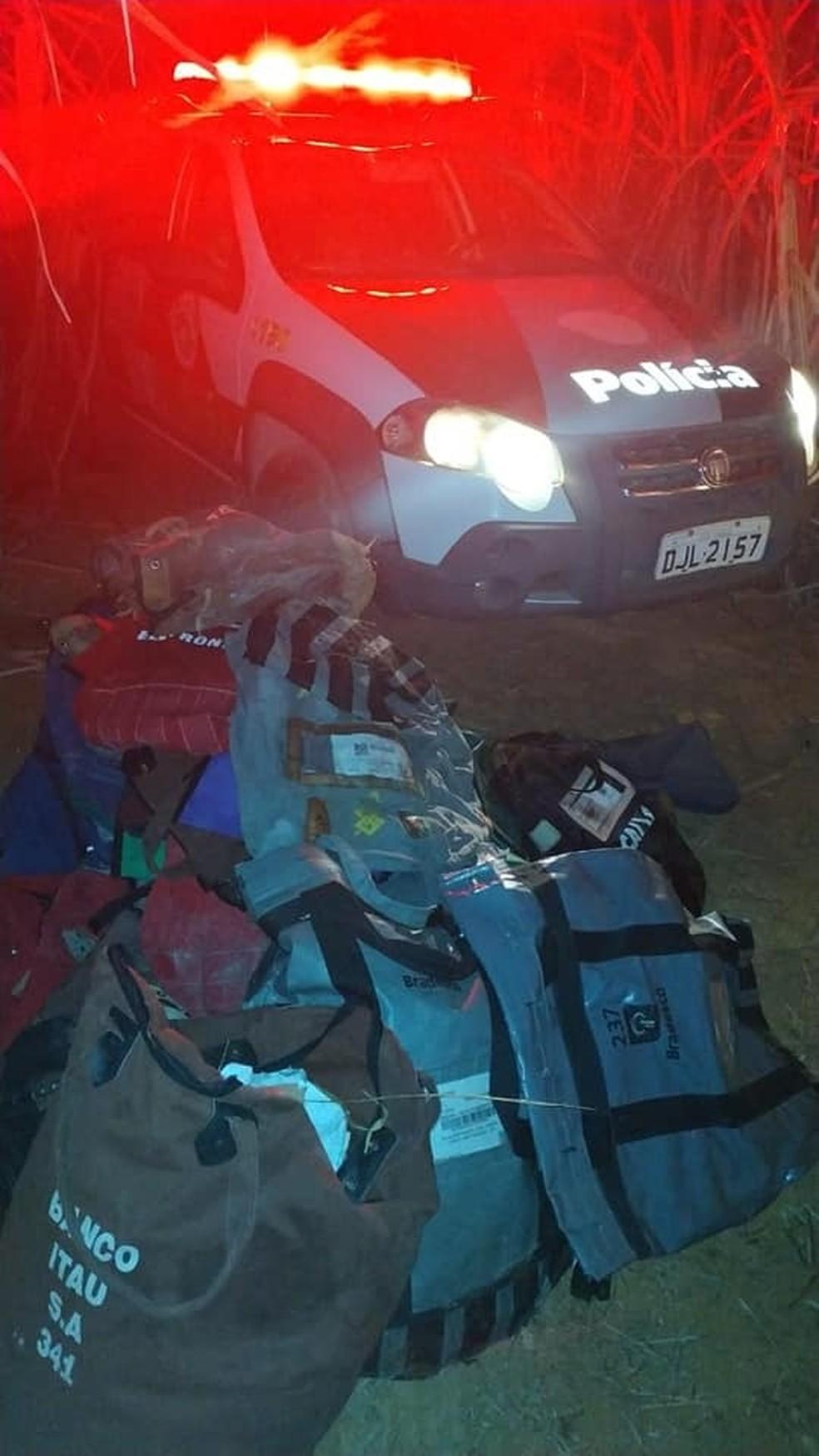 Polícias Civil e Científica foram acionadas e fizeram a perícia no local — Foto: Divulgação/Polícia Militar