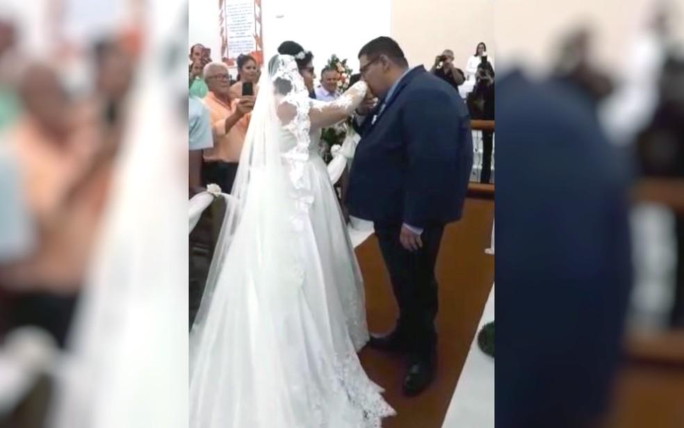 Casal goiano que se conheceu durante tratamento contra obesidade ganha festa e se casa — Foto: Arquivo pessoal