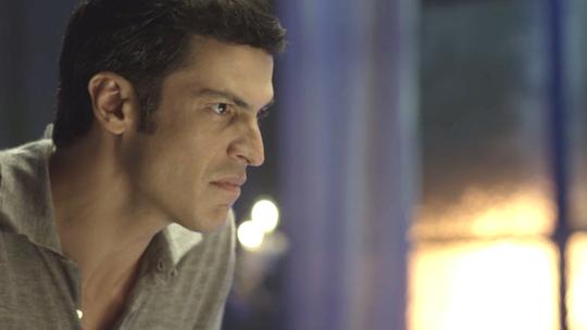 Teaser: Eric desmascara Maria Pia e Malagueta