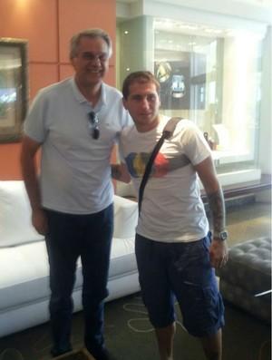 Bottinelli se apresenta no Coritiba e inicia a pré-temporada em Foz