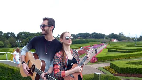 Marcelo Archetti e Bella Schneider, do 'The Voice Brasil', fazem parceria depois do reality