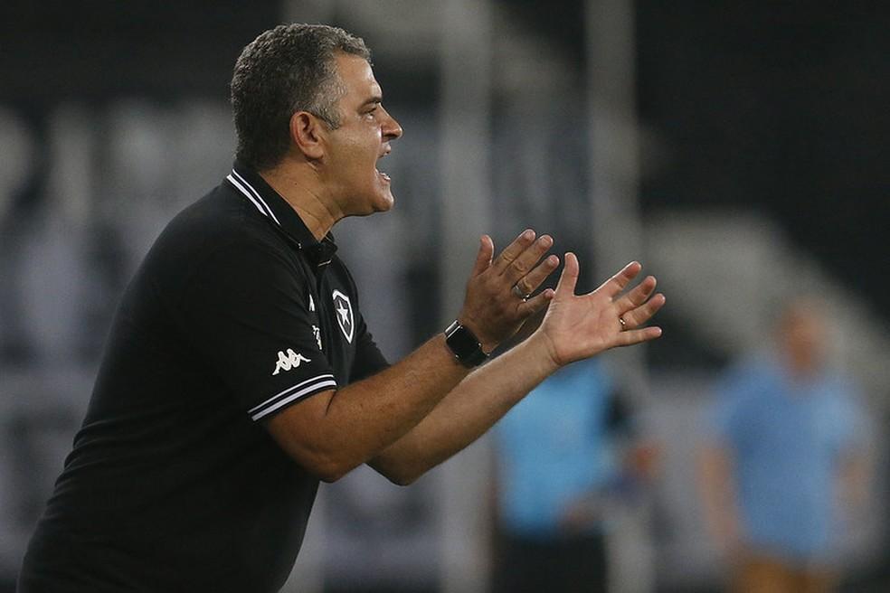 Marcelo Chamusca durante empate do Botafogo com o Bangu — Foto: Vítor Silva/Botafogo