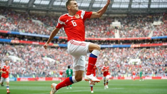 Cheryshev saiu em alta na estreia da Rússia