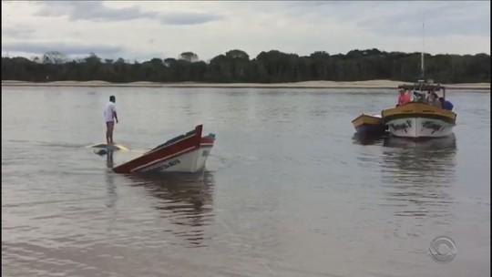Barco vira em Balneário Barra do Sul e deixa ao menos um morto e um desaparecido