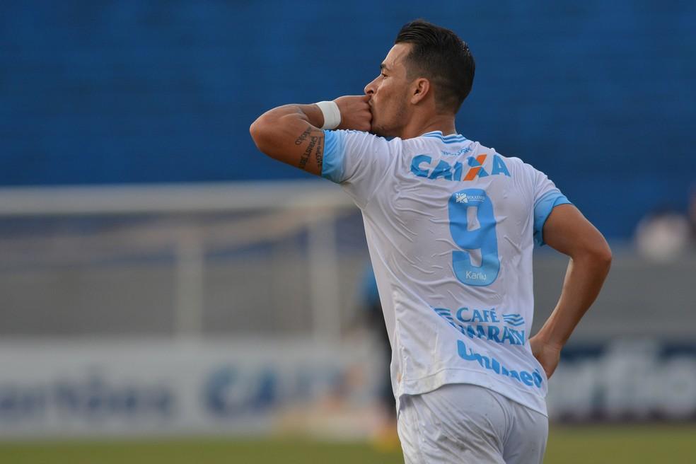 Artilheiro do Série B pelo Londrina, Jonatas Belusso já marcou 23 gols na temporada (Foto: Gustavo Oliveira/Londrina)