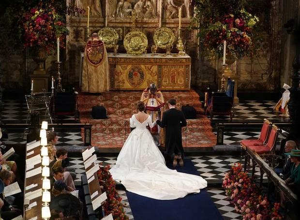 O design do altar não foi muito modificado por conta dos detalhes já presentes no local (Foto: Getty Images/ Reprodução)