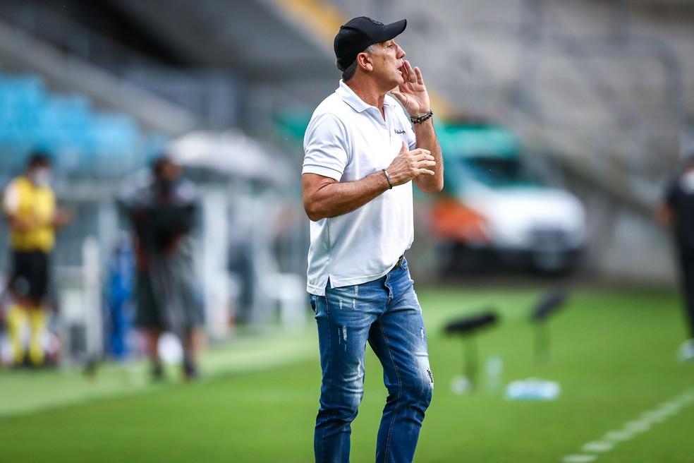 Renato admitiu que equipe não pode vacilar nos minutos finais — Foto: Lucas Uebel / Grêmio FBPA