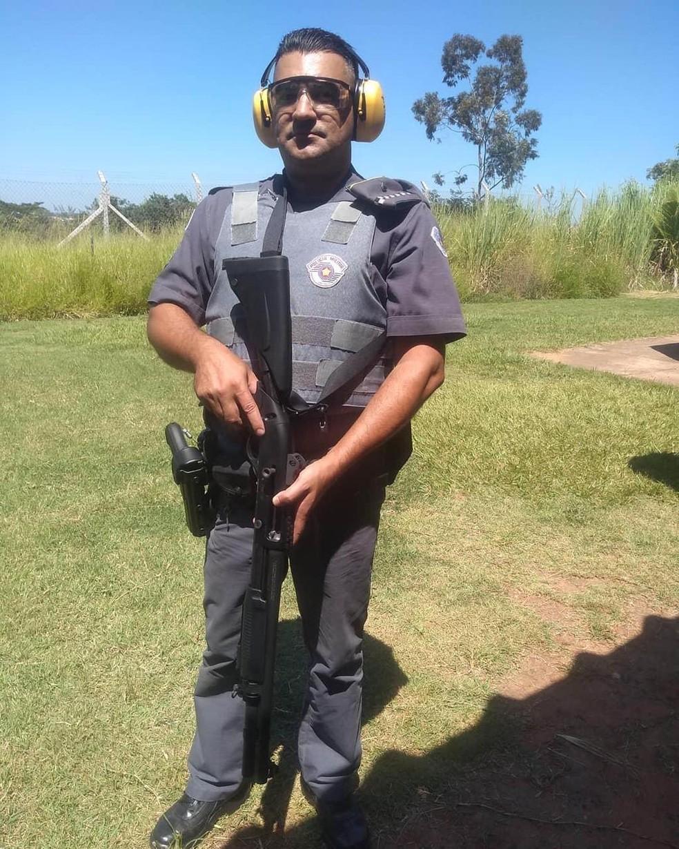 Cabo da Polcia Militar Neoclair Sobral Garo morreu na madrugada desta quinta-feira 4  Foto FacebookReproduo