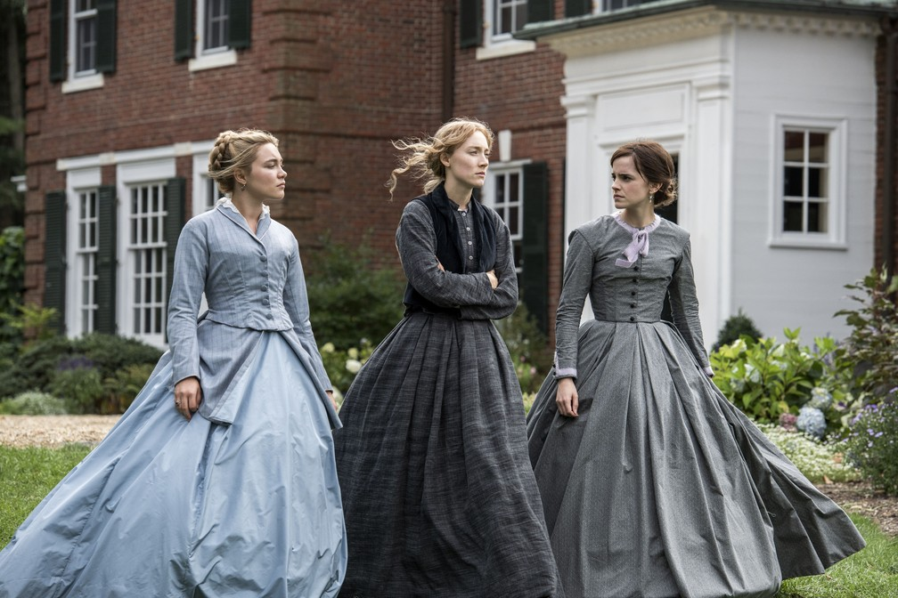 Saoirse Ronan, entre Florence Pugh e Emma Watson, estrela 'Adoráveis Mulheres' — Foto: Divulgação