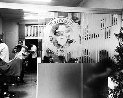 Reabre a barbearia que sobreviveu à Gripe Espanhola