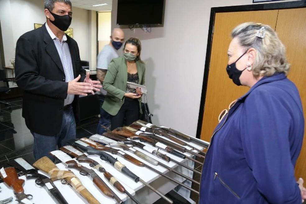 Armas foram vistoriadas nesta quinta-feira (22) — Foto: TJMT/Divulgação