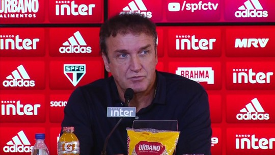 """Cuca esfria interesse do São Paulo por Alexandre Pato: """"Não adianta alimentarmos ilusão"""""""