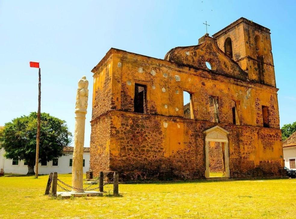 Visão da praça e da igreja de São Matias, em Alcântara (MA) — Foto: Divulgação/Bruno Mendonça