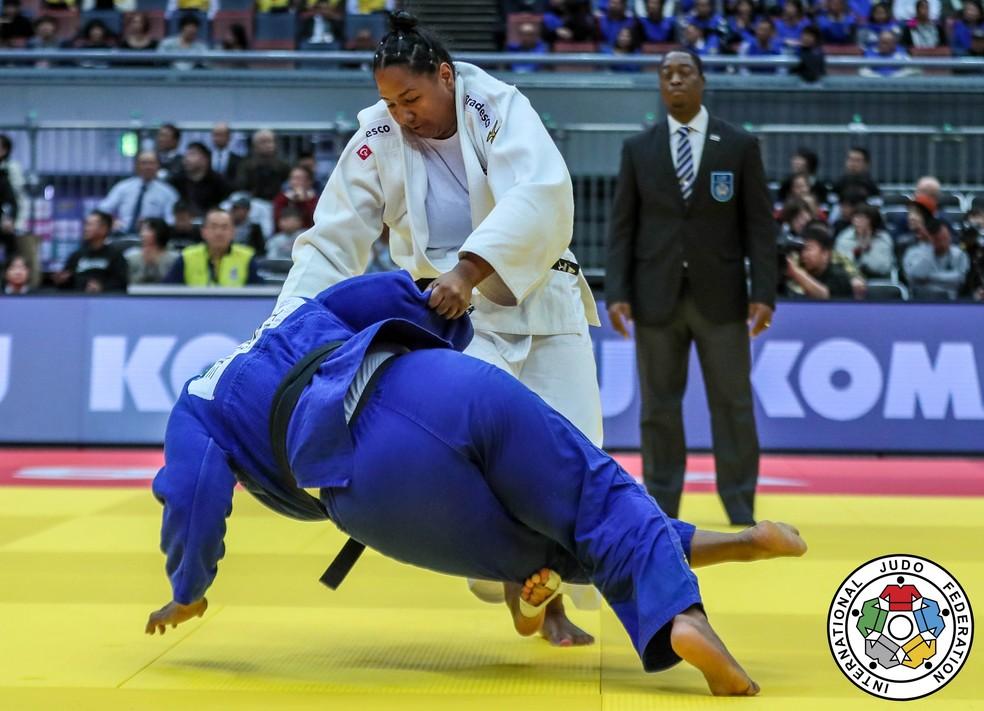 Beatriz Souza ficou próxima do bronze, mas acabou derrotada  — Foto: Sabau Gabriela / IJF