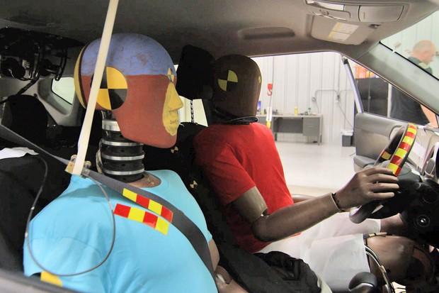 Sistema de airbag multicolisão da Hyundai Motor Group (Foto: Divulgação/Hyundai)