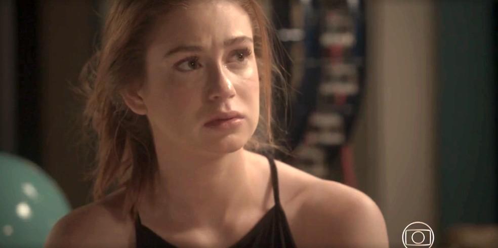 Eliza fica pensativa com comentário de Arthur — Foto: TV Globo