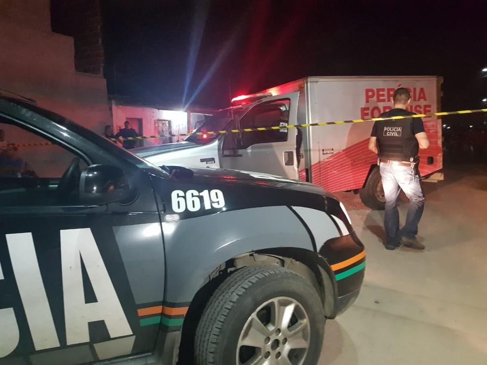 Francisca Fátima foi baleada e morta dentro de um bar no Jardim Bandeirantes, em Fortaleza  — Foto: Reprodução