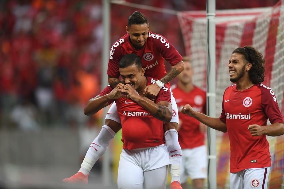 Inter engata 3ª vitória seguida, mas cobra evolução até Libertadores