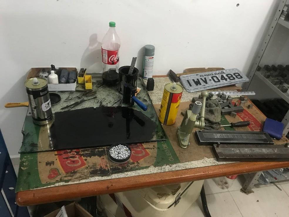 Material foi encontrado pela Brigada Militar, na madrugada desta terça (Foto: BM/Divulgação)