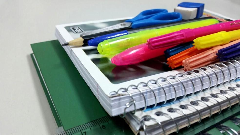 Material escolar — Foto: Heloise Hamada/G1