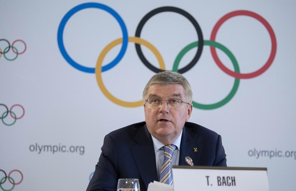 Thomas Bach, presidente do COI, em coletiva em Lausanne — Foto: IOC | Greg Martin