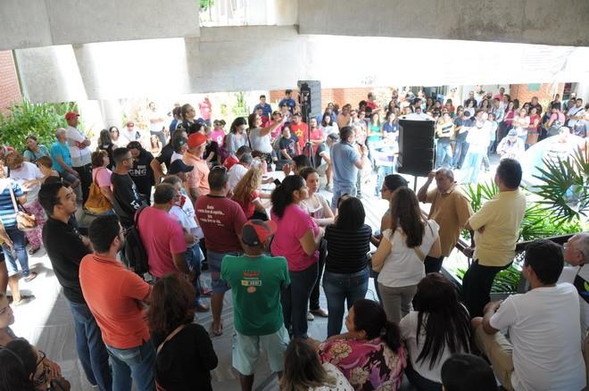 Greve foi definida em assembleia nesta quinta-feira (27) (Foto: Sintest/Divulgação)