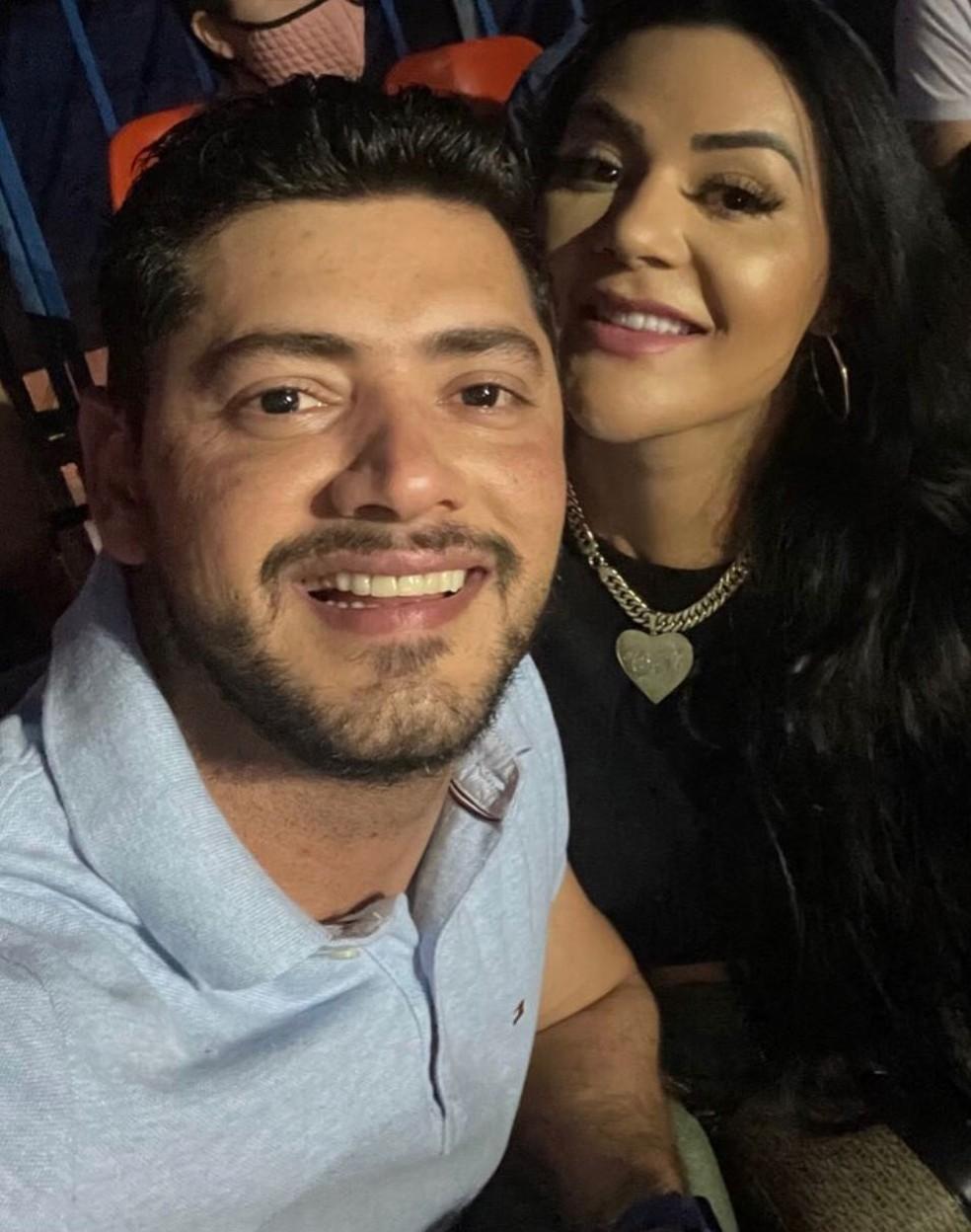 Rogerinho e Carla Bora estavam juntos desde o início do ano — Foto: Instagram/Reprodução