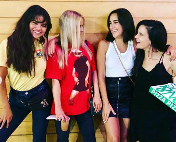 Selena Gomez e amigas (Foto: Instagram)