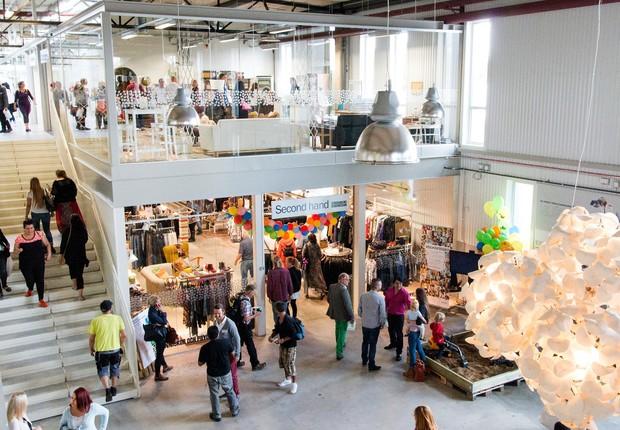 Shopping de produtos reciclados Retuna na Suécia (Foto: Divulgação)