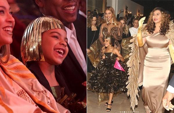 Blue Ivy muitas vezes! Beyoncé, a filha e a mãe vestiram dourado (Foto: Reprodução)