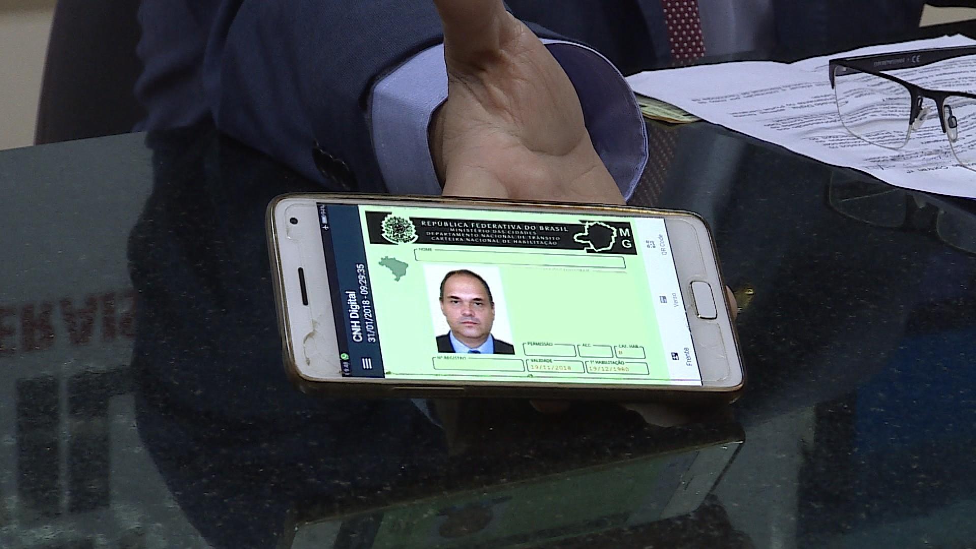 CNH digital é grátis na maioria dos estados, mas é cobrada em Goiás e Piauí