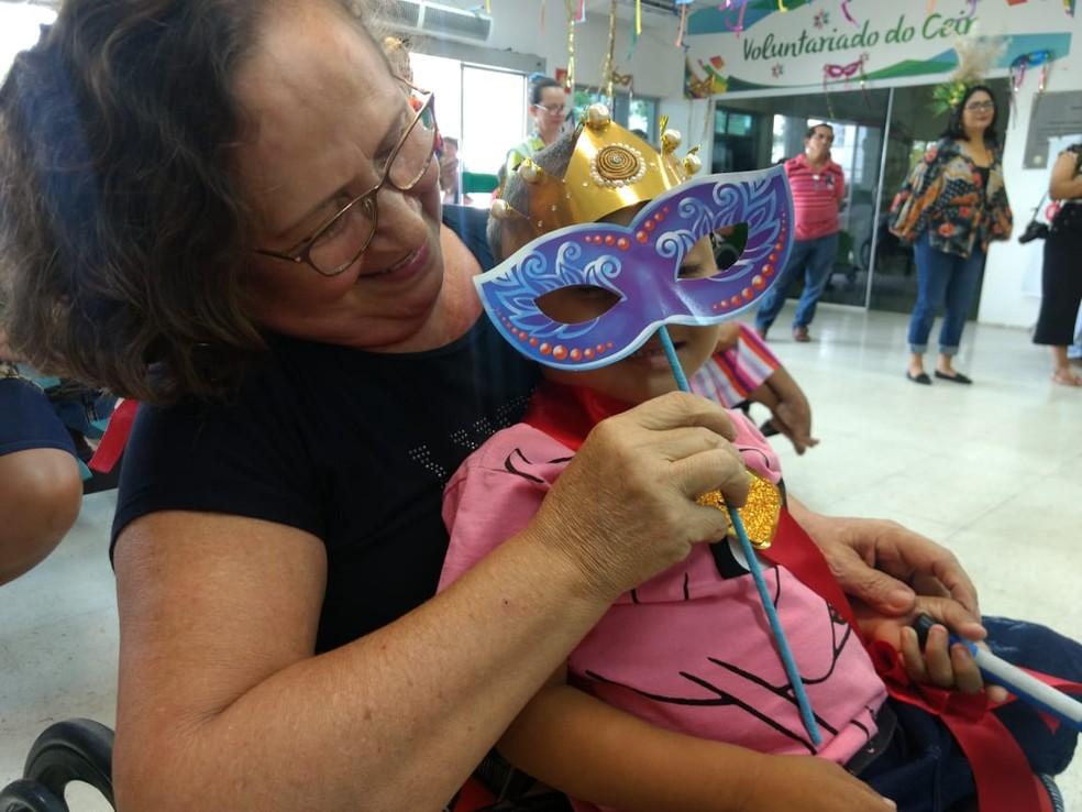 João Francisco, de 4 anos, foi coroado o Rei Mirim do Carnaval 2020, no Centro Integrado de Reabilitação (Ceir) em Teresina — Foto: Laura Moura/ G1 PI