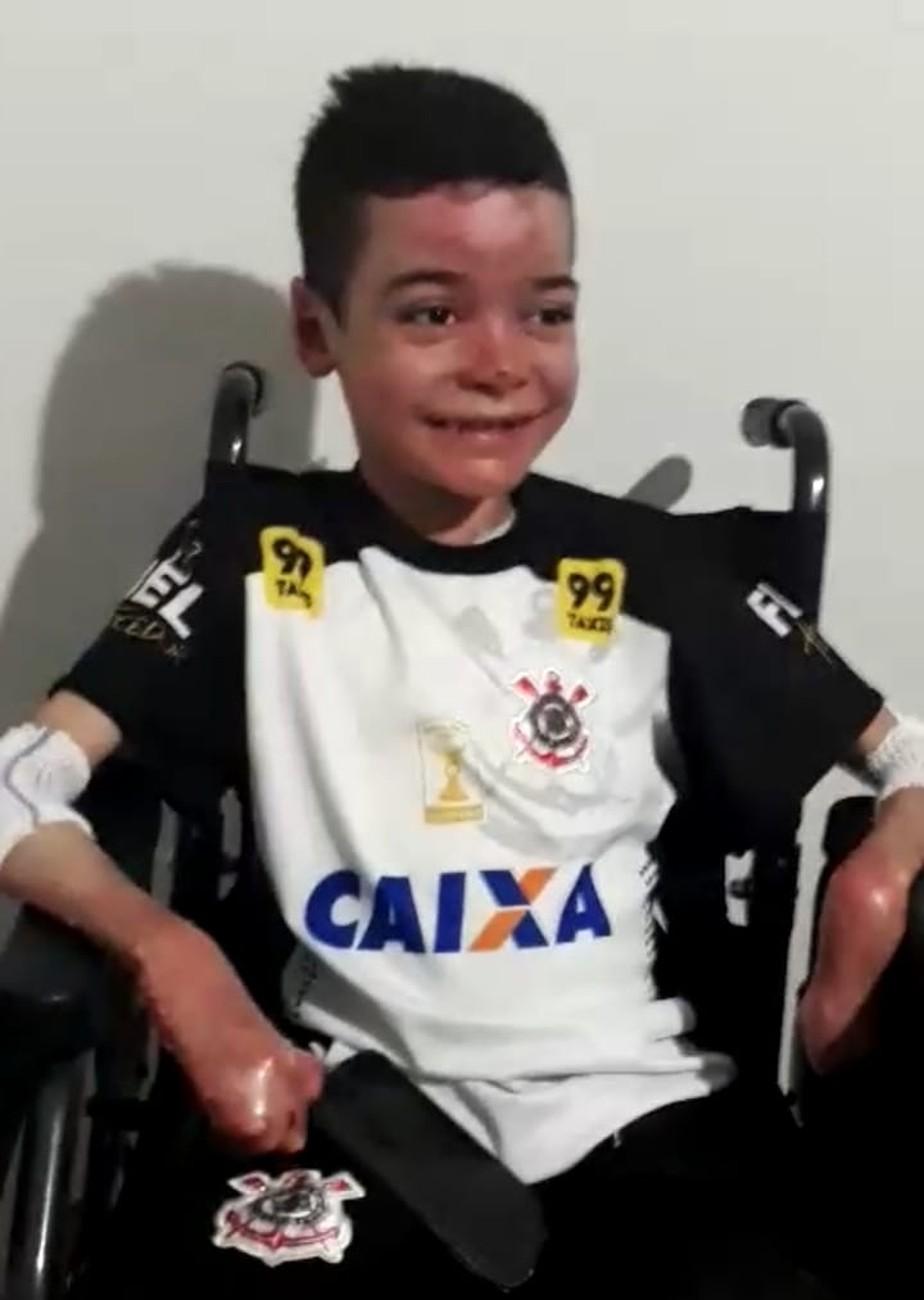 Torcedor com doença rara é convidado pelo Corinthians para final contra o São Paulo na Arena