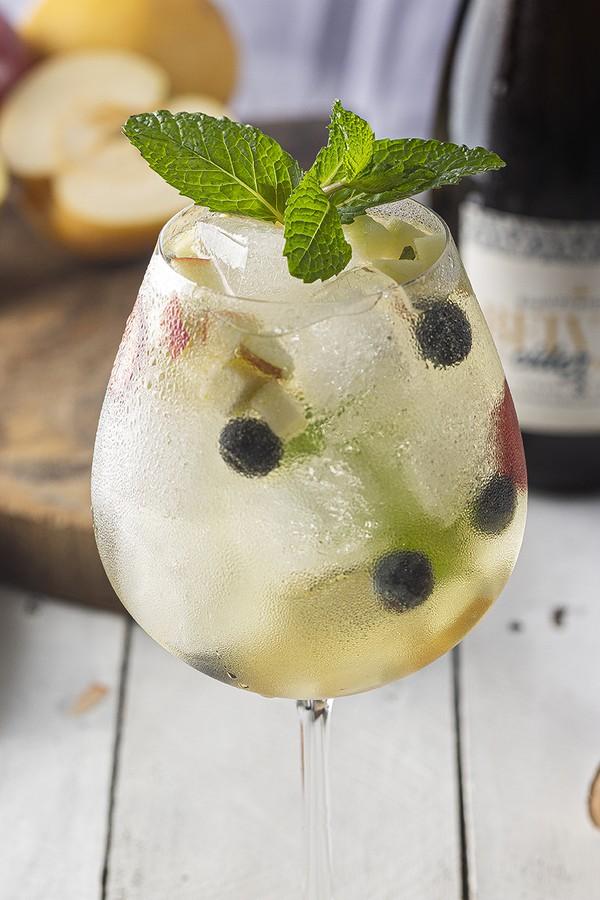 Resultado de imagem para Receita: drink de sidra com frutas vermelhas