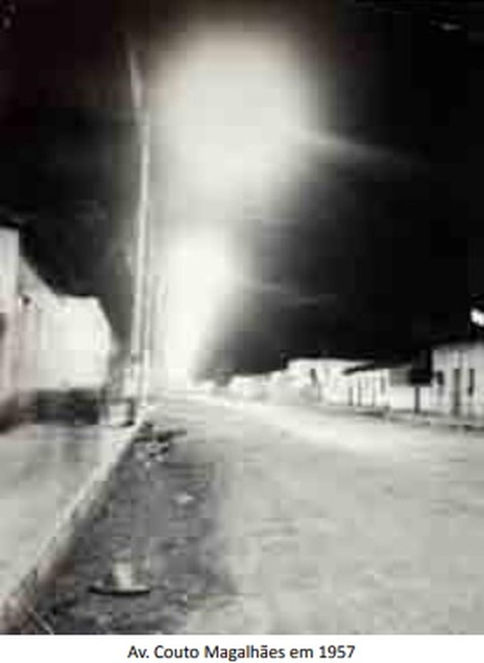 Avenida Couto Magalhães no século passado — Foto: Reprodução